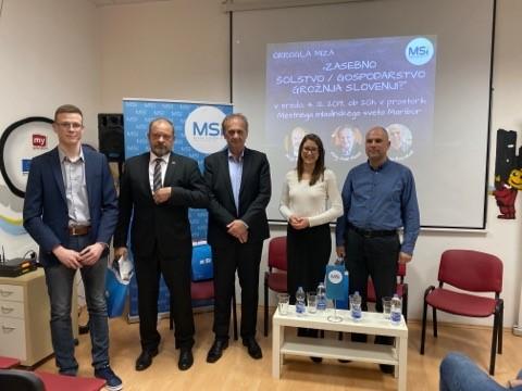 Okrogla miza: Zasebno šolstvo / gospodarstvo grožnja Sloveniji?